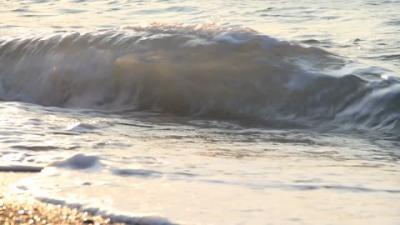 778408757 samos ile appareiller vague ecume deferlement des vagues